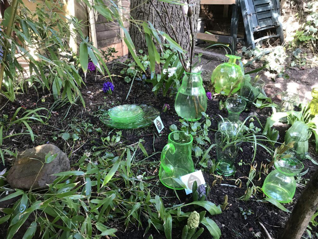 April, Lente, Anna- groen en Groen Glaswerk tussen de Bollen;)